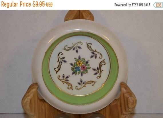 Delayed Shipping Hunt Hallmark Porcelain Green Coaster Vintage Hand Decorated Fine China Lemon Dish Green Gilded Sauce Dish Elegant Dining R