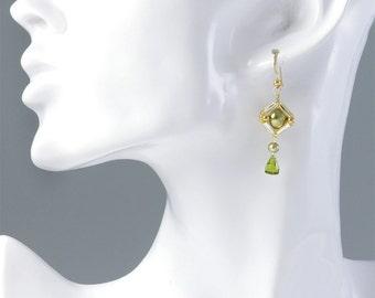 Green square earrings, beaded square earrings, Swarovski pearl earrings for women, green drop earrings, office earrings, gift for her, 384