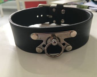 Thick black leather necklace