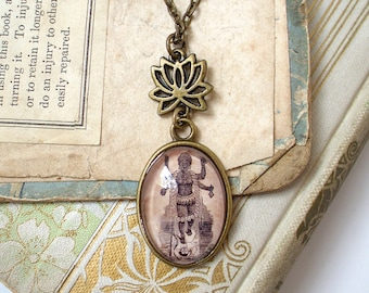 Kali Necklace - Hindu Goddess of Destruction and Transformation - Lotus Chain in Bronze - Yoga