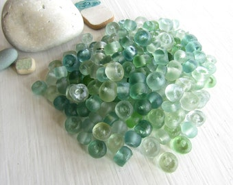 Mix indonesian Recycled glass beads ,  white aqua sea green tones ,  matte frosted irregular , rondelle barrel  ( 16 beads ) 7ab89