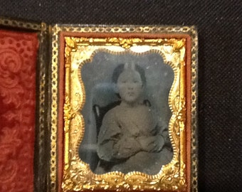ANTIQUE PHOTO AMBROTYPE in case
