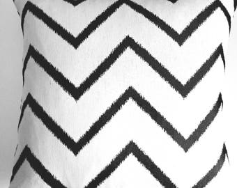 Black & White Zig Zag Pillow Cover, Decorative Pillow Cover, Accent Pillow