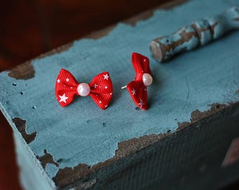 Petite Red Star Spangled Bows Earrings