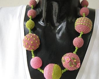 Crochet necklace - Monami