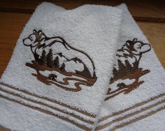 Thirsty Cotton Hand Towel Set Featuring Bear Embroidery