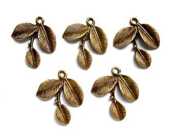10 Antique Bronze Leaf Charms - 30-7-2