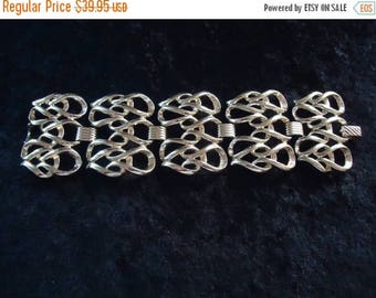 ON SALE Vintage Sarah Coventry Bracelet Retro Collectible Costume Jewelry 70s