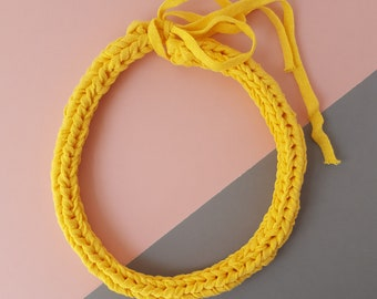 Knitted recycled necklace lemon yellow