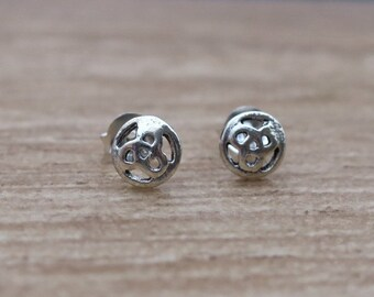 Vintage 925 Sterling Silver Celtic Knot Stud Earrings