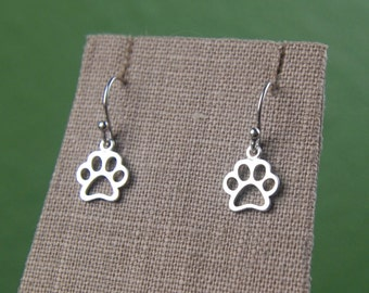 Paw print outline charm earrings in sterling silver, pawprint, cat paw, dog paw, heart charm, cat jewelry, dog jewelry, pets, mother's day