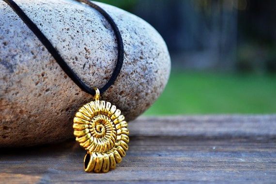 Ursula Costume Reproduction Necklace, Little Mermaid, Uma Necklace, Cosplay, Ariel's Voice, Gold Shell Black Leather, Ammonite Fossil