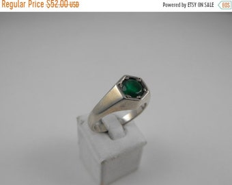 Mothers Day Sale Green Quartz Stone Sterling Silver Graduated Band Ring