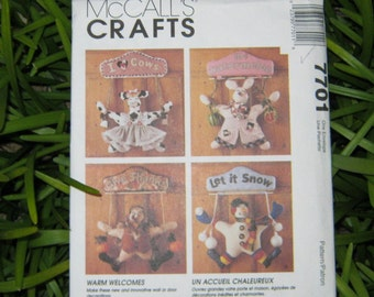 Uncut Pattern - McCall's 7701 - 4 Wall Hangings - Home Decor