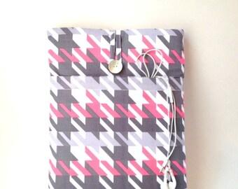 Womens Laptop Sleeve, Womens Macbook Case, Macbook air 13 case, MacBook Pro Sleeve, Laptop Case, 13 inch macbook air sleeve Pink Houndstooth