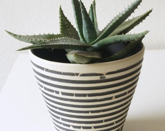 Mid Century ceramic planter / flower pot, black and white