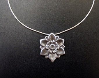 Vintage Inspired Flower necklace