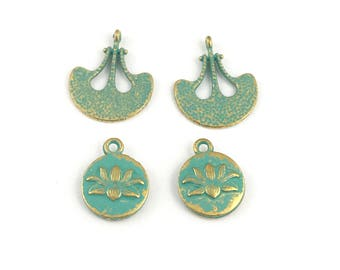 4  charms gold tone  and green patina, 16mm to 20mm #CH 642
