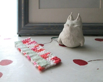 CROCHET BOOKMARK with Vintage Lace