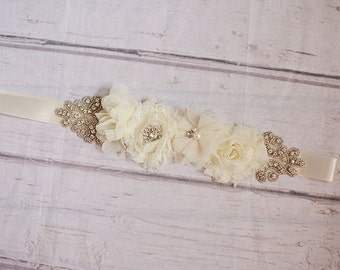 Rustic Flower Girl Sash...Ivory Lace Sash..Bridal Belt / Sash..Bridesmaid Sashes..Maternity Sash...Ivory  / Flower Girl Sashes / ivory