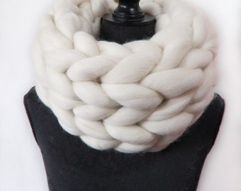 Super Chunky Knit Cowl infinity scarf snood wrap natural cream 100% Merino wool scarf non mulesed knitted merino scarf hypoallergenic