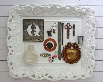 bITs KitS No041h -tin stencil, key, chandelier crystal, glass bottle, rhinestone jewelry, button, play knife, square nail, thimble, pen nib
