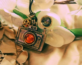 Old fashion Camera necklace