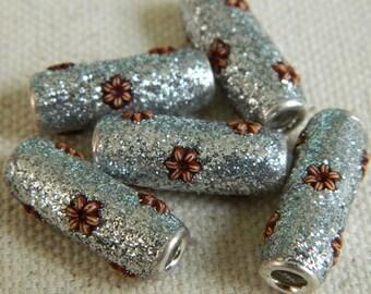 Beautiful Kashmiri Beads from India -- Silver Glitter Grain -- 20x9mm -- 5pcs.