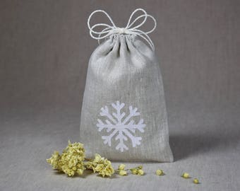Natural linen gift pouch Snowflake bag Small reusable candy favor bag Beige pouch for Christmas gifts 7 x 5