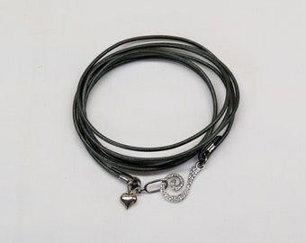 Leather wrap bracelet, Heart
