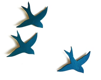 Porcelain wall art swallows We three together Teal birds Modern ceramic wall sculpture Blue green Bathroom kitchen Lounge Faux taxidermy