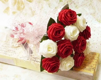 1 Dozen Gift Wrapped Origami DeLovely Rose Bouquet in Red and White Roses fpr Anniversay Gift, Valentines day gift, and Special Occasions
