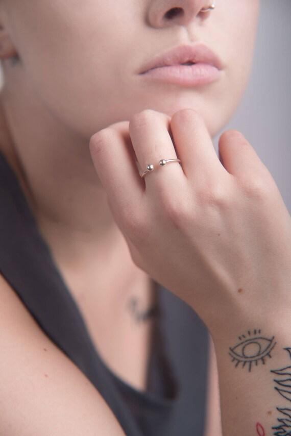 Bead gap ring