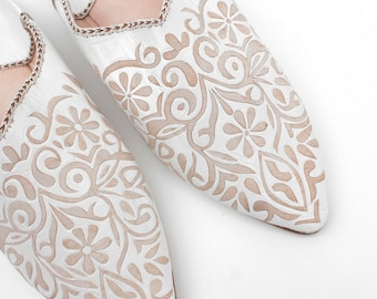 Women's White Decorative Leather Slippers    Traditional Moroccan Babouche    Hand Cut Decorative Leather     White