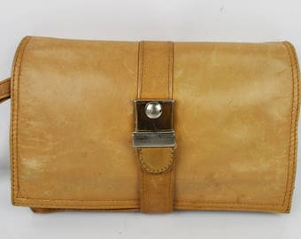 Vintage leather clutch bag soft honey good condition 2052