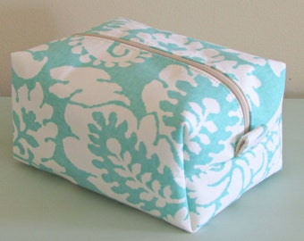 Mint Makeup Bag  - Cosmetic Pouch -  Lunch Bag - Wet Bag -Waterproof Bag