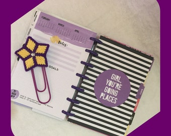 Star Large Paper Clip in Ultra Violet and Yellow