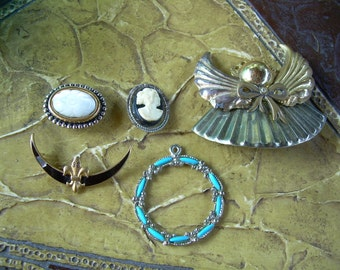 small lot of Vintage Bits and pieces, for altered art or crafts or jewelry making some neat pieces for your creative ideas