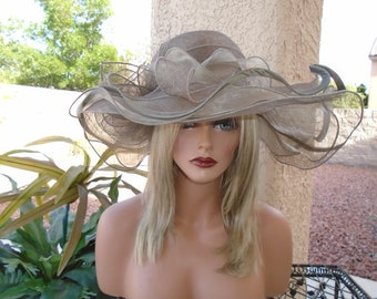 Taupe Kentucky derby
