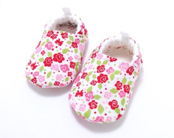 Flower Baby Shoes, baby girl gift, Soft Sole Baby Shoes, pink Baby Booties, Toddler slippers, Baby Shower gift