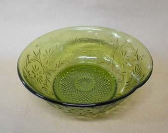 Indiana Glass Daisy Berry Bowl Vintage