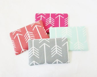Arrows Makeup bags - Set of 4 -  Personalized Cosmetic Bag - Monogrammed Bridesmaid clutches - Bridal Party - Medium