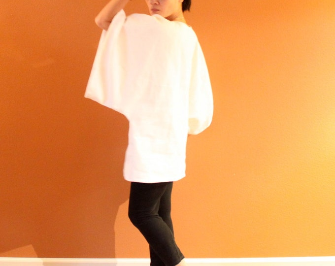 oversize heavy linen wide kimono sleeve top made to fit listing /provide hip measurement / simple linen tunic /wide sleeve / straight shape