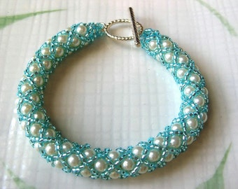 Beaded Bracelet in Light Blue and White, Woven Beads and Pearls in XOXO Rope Pattern