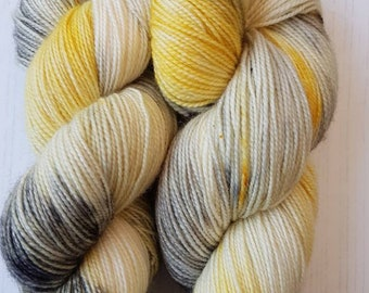 SW Bluefaced Leicester yarn.  80/20 HT.100g.Photo Finish.