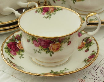 Royal Albert Old Country Roses Large Breakfast Cup, Royal Albert 1962 RARE Breakfast Cup and Saucer