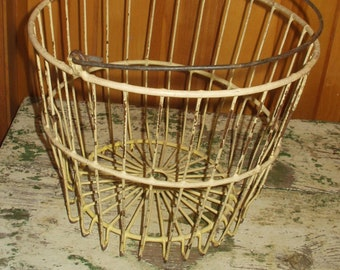 Vintage Farm Fresh Chicken Egg Gathering Basket Primitive Decorating Large Yellow Chippy Paint Wire Wedding
