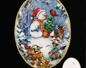 Dimensions Cross Stitch Kit, The Gold Collection Petites, Counted Cross Stitch Kit, #8656, Snow Friend Ornament, Martha Edwards, Christmas