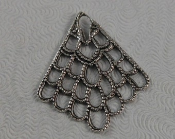 LuxeOrnaments Antique Sterling Silver Filigree Drop-Pendant (Qty 2) 22x20mm S-9168-R