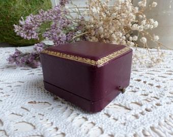 Antique french burgundy leather ring box. Antique engagement ring box. Antique ring box. Antique wedding. Vintage wedding.Something old